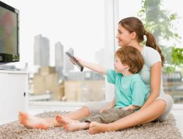 Почему смотреть телевизор с ребенком полезно
