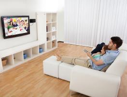 Внимание: Опасность, или С какого расстояния нельзя смотреть телевизор?