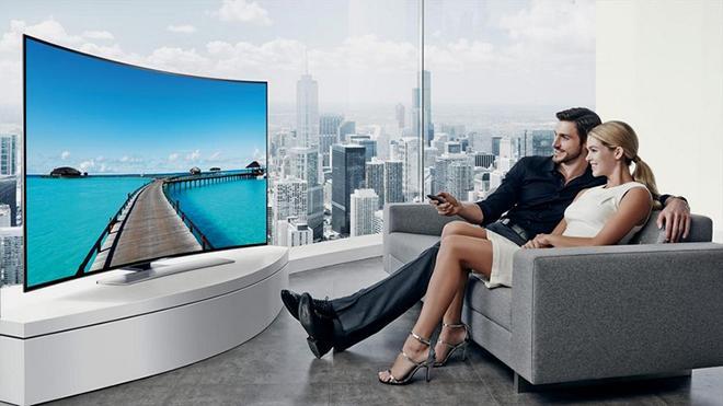 Изогнутый телевизор