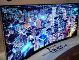 Стоит ли покупать изогнутые телевизоры