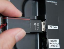 Как провести обновление прошивки телевизора