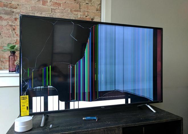 Разбитый экран тв