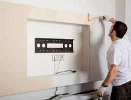Как правильно спроектировать розетки для телевизора на стене